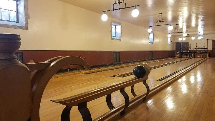The bowling alley at Greystone Mansion